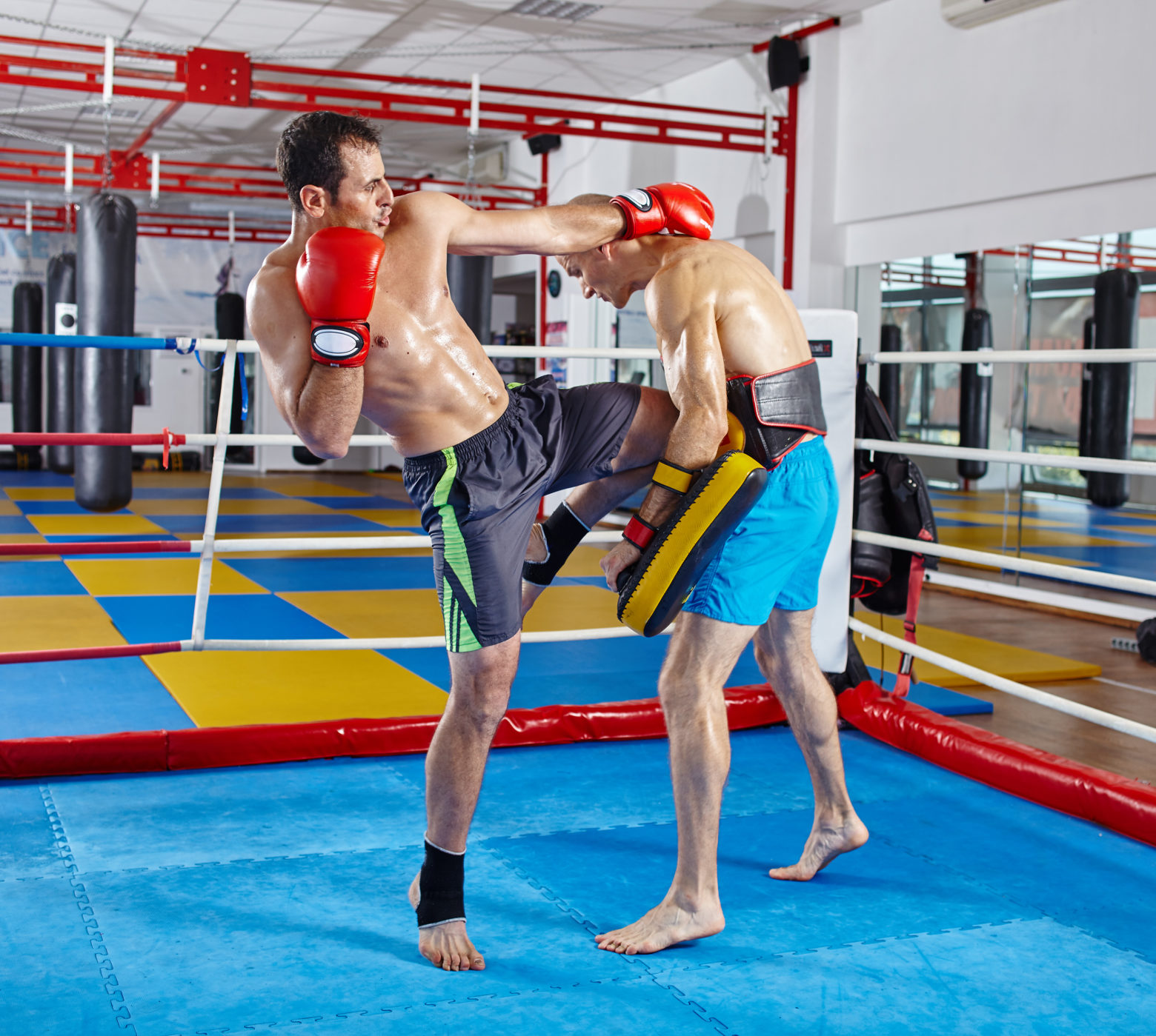 6 Essential Muay Thai Combos to Train and Use in Fighting and ...